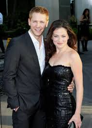 Joshua Dallas and Lara Pulver